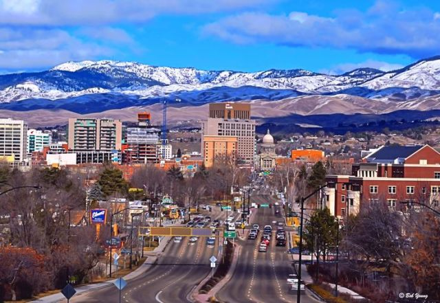 The 10 Best Cities to Move to in 2015 - http://www.simplemovinglabor.com/blog/the-10-best-cities-to-move-to-in-2015#.VQXcaHY3dgs.facebook